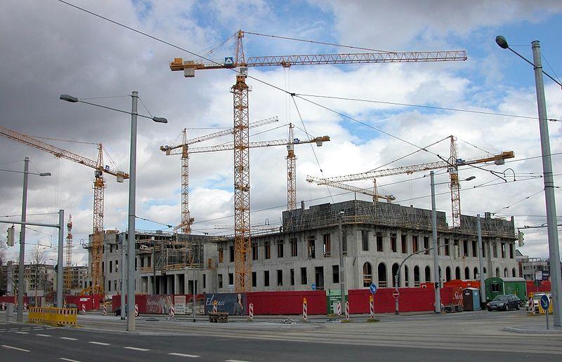 Zmiany w projekcie podczas budowy – czy potrzebny jest projekt zamienny?