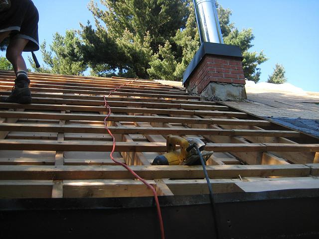 Zmiana konstrukcji dachu – jak się za to zabrać?